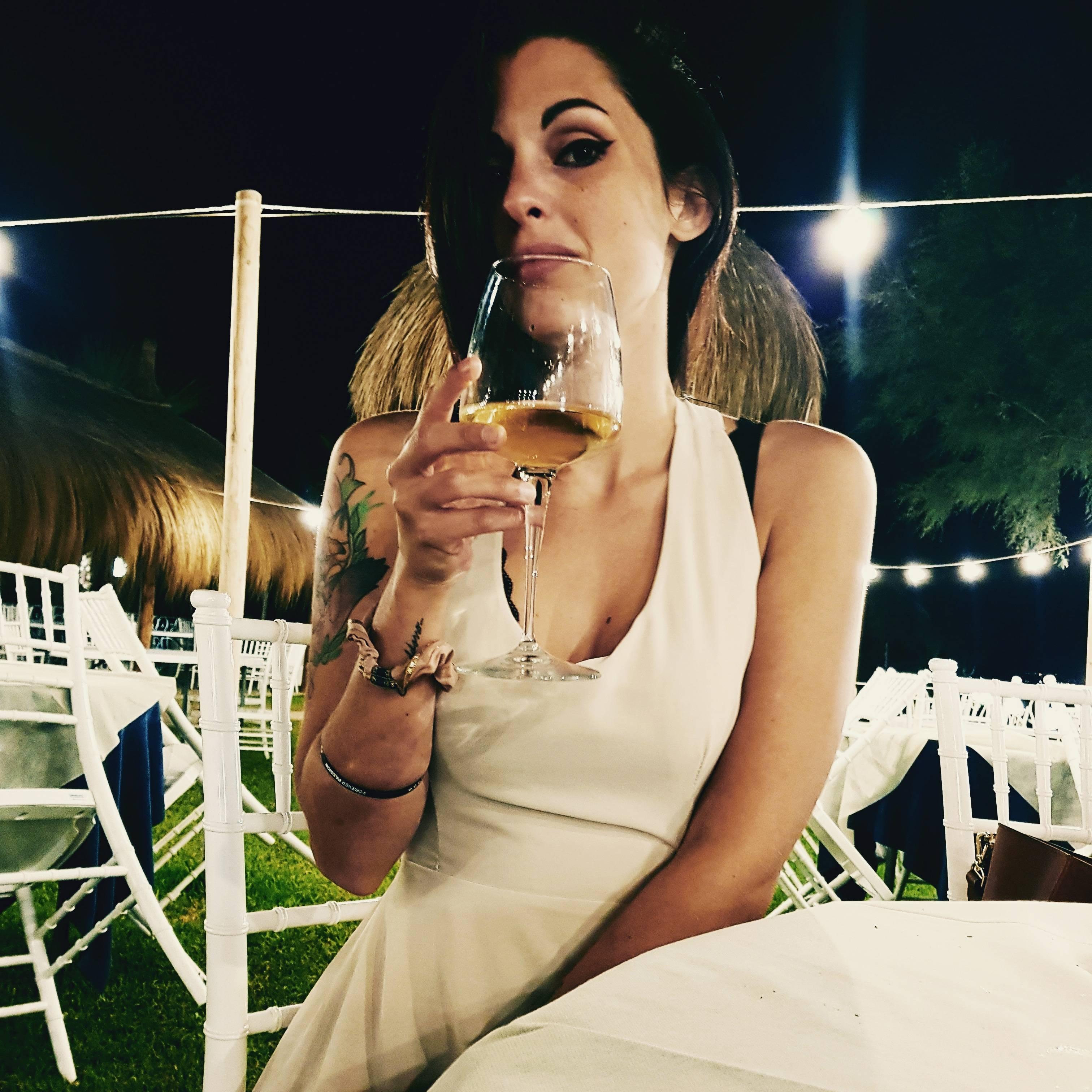 Juliet_roses__ Pagina instagram pubblicizzo con foto